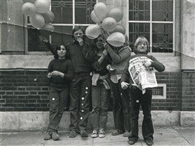 Photo:Children demonstrating, 1972