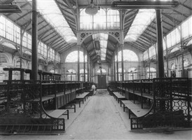 Photo:Jubilee Hall, where the flower market had been. After the market moved, it was left empty during the planning decade.